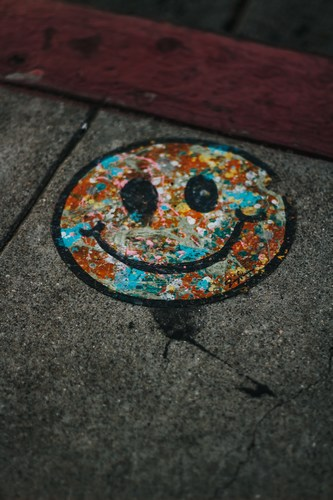 Favorite Mother's Day Gift - color tarnished happy face - Devin Avery/Unsplash